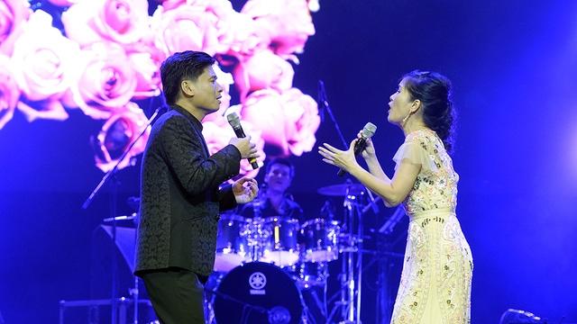 Tấn Minh- Hồng Nhung song ca Em và tôi.