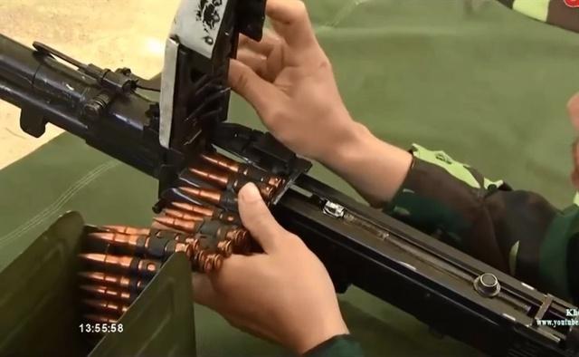 Để bảo đảm độ cứng cho lõi thép, trên cơ sở các loại vật liệu đã dùng để sản xuất đạn xuyên K56, các tác giả đã chọn mác thép Y12A làm lõi xuyên. Thép có độ cứng sau khi tôi đạt 64-66 HRC, độ cứng sau khi ram ở nhiệt độ 150 đến 1600C đạt 62-64 HRC.