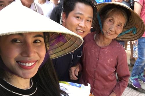 Ngày mai, cô đến thăm một số nơi ở Quảng Bình để tiếp tục chuyến thiện nguyện.