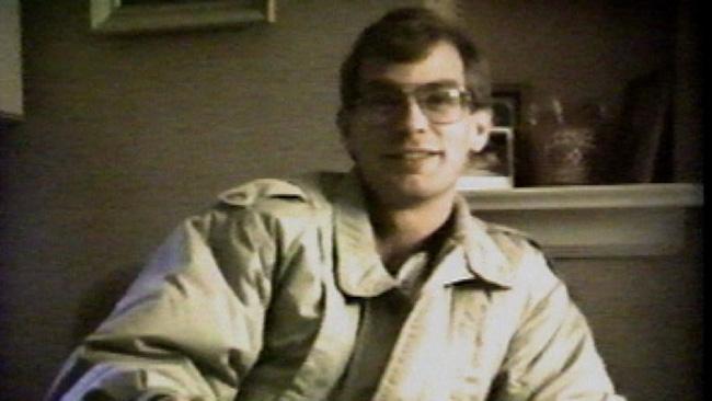 Con quỷ của nước Mỹ: Kẻ sát nhân bệnh hoạn, tra tấn và ăn thịt nạn nhân nhận án 957 năm tù - Ảnh 2.