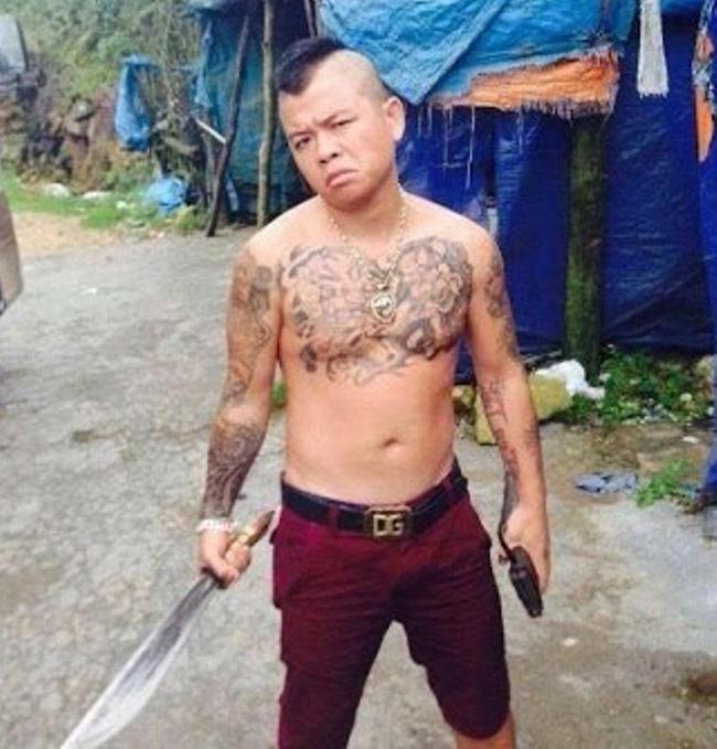 Khởi tố, bắt tạm giam thánh chửi Dương Minh Tuyền vì nổ súng trong đêm - Ảnh 1.