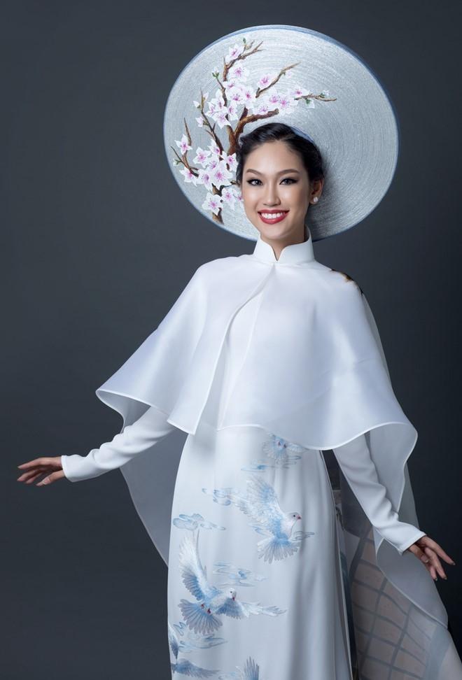 A khoi Ao dai chon quoc phuc in hinh co gai Viet hinh anh 4
