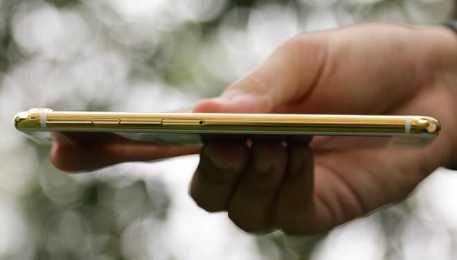 iPhone 7 Plus ma vang gia 180 trieu ve Viet Nam hinh anh 8
