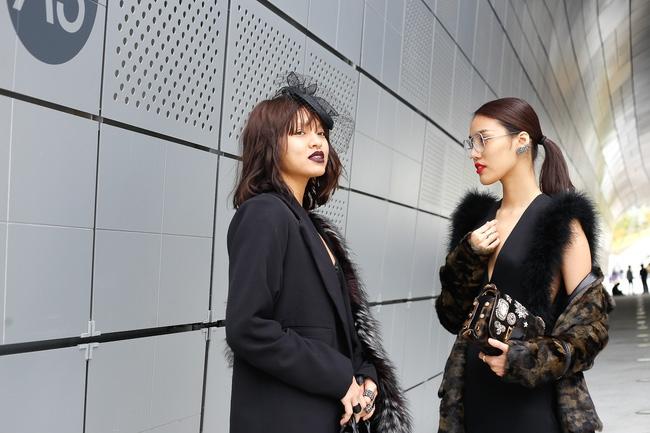 Lan Khuê & Mai Ngô biến thành 2 góa phụ đen trên tại Seoul Fashion Week - Ảnh 3.