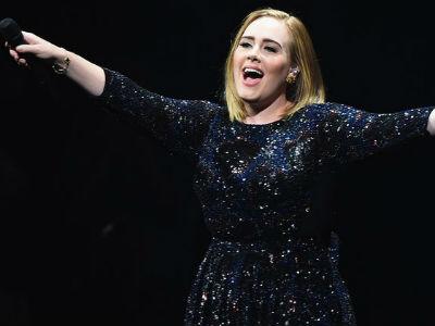 Doanh thu từ show diễn của Adele phá vỡ kỷ lục của Beyoncé