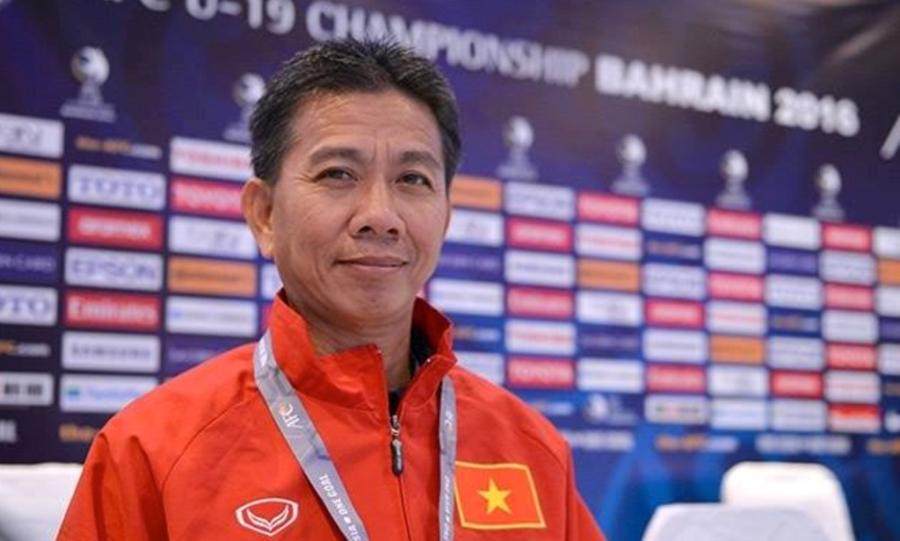 HLV Hoàng Anh Tuấn và các học trò đã viết lên trang sử mới cho bóng đá Việt Nam. Ảnh: AFC.