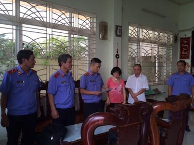 Bắt tạm giam nguyên Chi cục trưởng Chi cục Thi hành án Dân sự H.Phong Điền