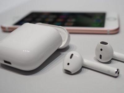 Tai nghe không dây thông minh của Apple trễ hẹn