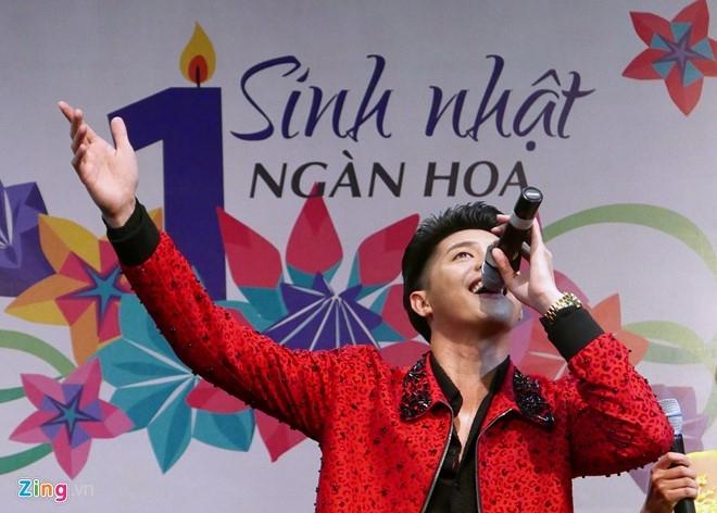 Fan chen lấn đến nghẹt thở để nhìn Noo Phước Thịnh - 11