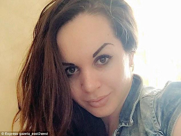 Một phụ nữ chuyển giới bị giết dã man sau đám cưới chỉ vì một câu nói của người cha trên truyền hình - 1
