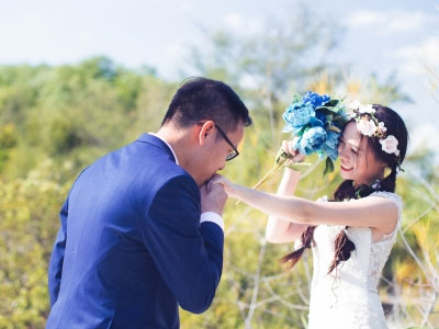 Ảnh cưới lãng mạn khiến ai cũng xuýt xoa trong ngày đông lạnh giá