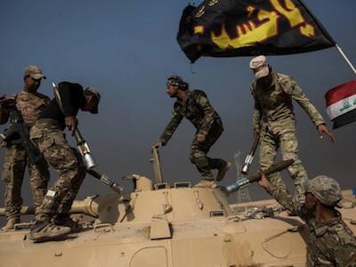 Bị vây chặt ở Mosul, IS chống trả bằng vũ khí hóa học và lá chắn sống