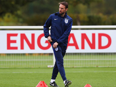 Gareth Southgate sẽ là HLV chính thức của tuyển Anh với mức lương