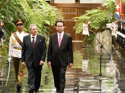 Chủ tịch Cuba trao tặng huân chương cao nhất cho Chủ tịch nước Trần Đại Quang