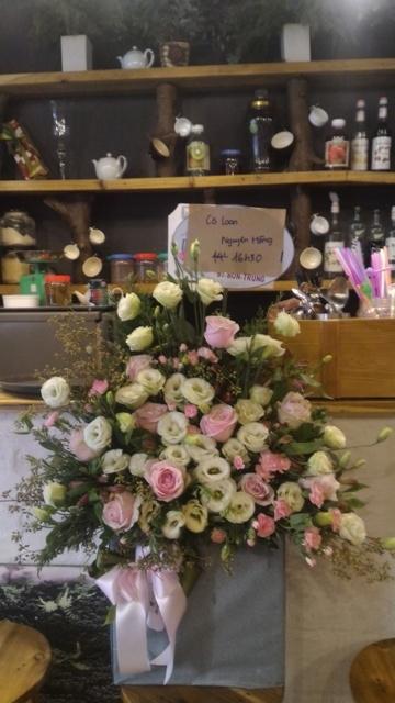 Thị trường hoa chúc mừng 20.11: Hoa hướng dương, hoa hồng lên ngôi