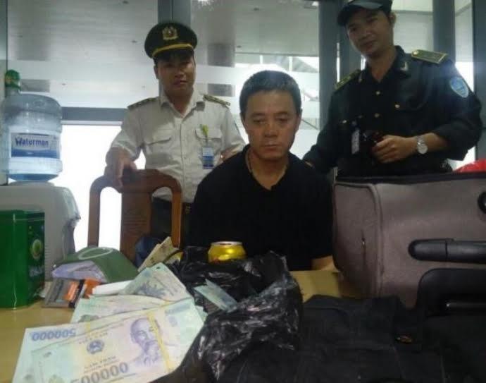 Vietnam Airlines làm gì để ngăn trộm cắp trên máy bay?