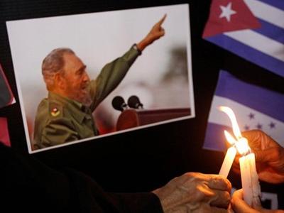 Lễ tưởng niệm Fidel Castro sẽ bắt đầu bằng 21 phát đại bác