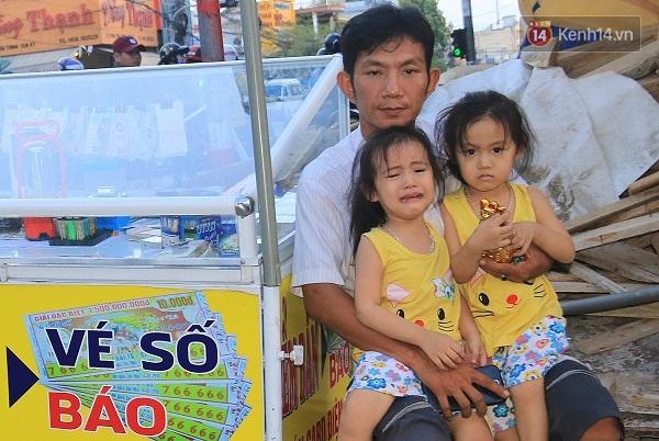 Vợ bỏ đi, người cha bệnh tật nhọc nhằn nuôi 2 bé gái sinh đôi xinh như thiên thần - Ảnh 3.