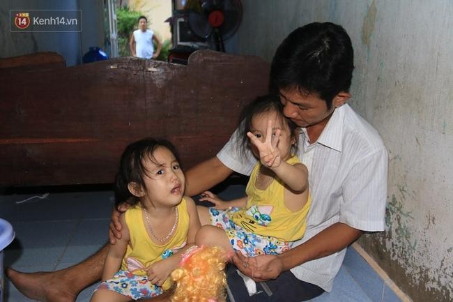 Vợ bỏ đi, người cha bệnh tật nhọc nhằn nuôi 2 bé gái sinh đôi xinh như thiên thần - Ảnh 7.
