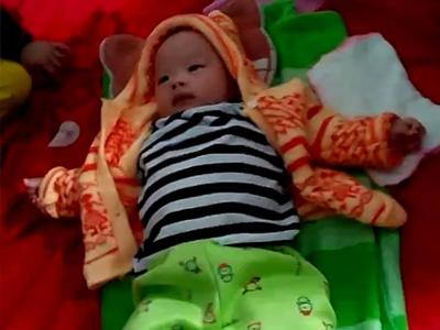Bé trai 3 tháng tuổi xinh như thiên thần bị bỏ rơi tại Hà Tĩnh
