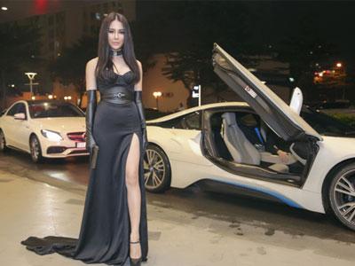 Bạn trai thiếu gia lái siêu xe chở Diệp Lâm Anh đi ra mắt phim