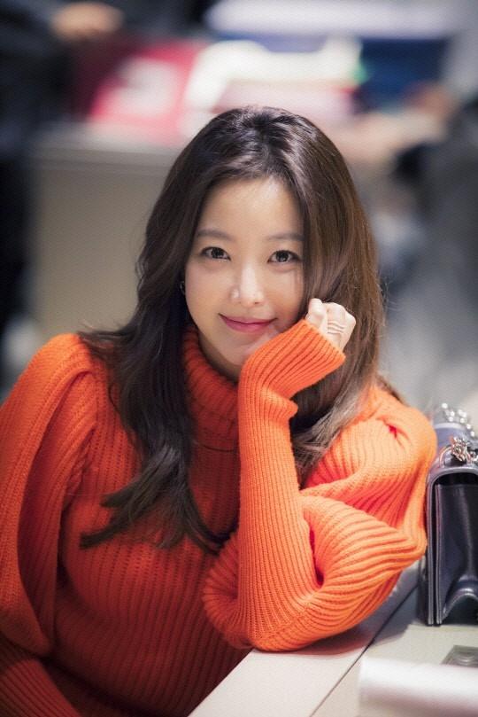 Kim Hee Sun tre trung trong phim moi hinh anh 3