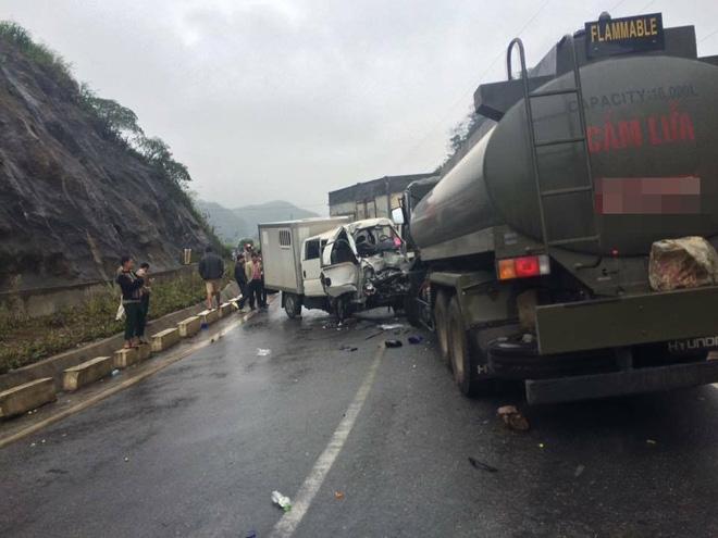 Xe công an đâm xe quân đội: Một chiến sỹ bị đứt rời 1/3 cẳng chân - Ảnh 2.