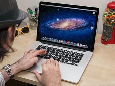 Sản phẩm Apple và Samsung vào