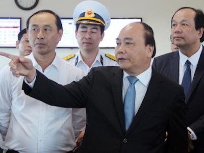 Thủ tướng yêu cầu xóa ùn tắc xung quanh cảng lớn nhất Việt Nam