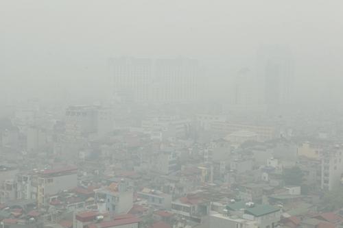 Ảnh: Giữa trưa, Hà Nội vẫn chìm trong sương mù - 2