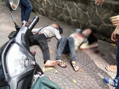 Nam thanh niên dùng dao đâm tới tấp vào người nữ sinh viên ở Sài Gòn rồi tự tử