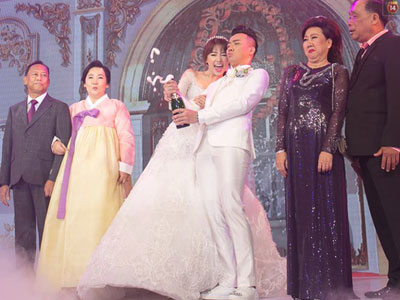Clip toàn cảnh đám cưới cổ tích của Trấn Thành, Hari Won