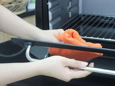 Mẹo nhỏ không thể bỏ qua giúp gian bếp luôn sạch bóng