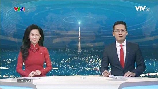 BTV Hoài Anh xinh đẹp nổi bật giữa dàn MC của VTV - 2