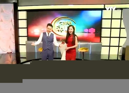 BTV Hoài Anh xinh đẹp nổi bật giữa dàn MC của VTV - 4
