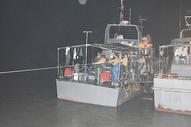 Chiếc tàu mang số hiệu BP 06-19-01, cùng 15 cán bộ chiến sỹ Hải đội 2 đi làm nhiệm vụ.