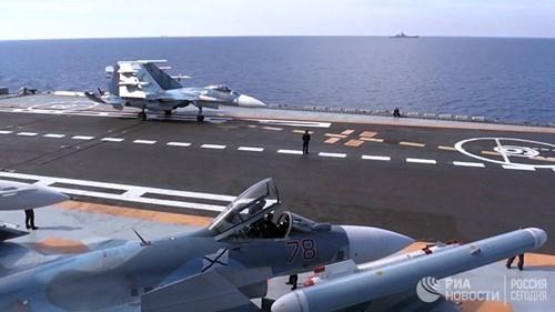 [ẢNH] Khoảnh khắc đẹp của tàu sân bay Nga tham chiến ở Syria  ảnh 1