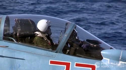 [ẢNH] Khoảnh khắc đẹp của tàu sân bay Nga tham chiến ở Syria  ảnh 2