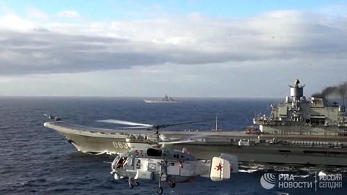 [ẢNH] Khoảnh khắc đẹp của tàu sân bay Nga tham chiến ở Syria  ảnh 4