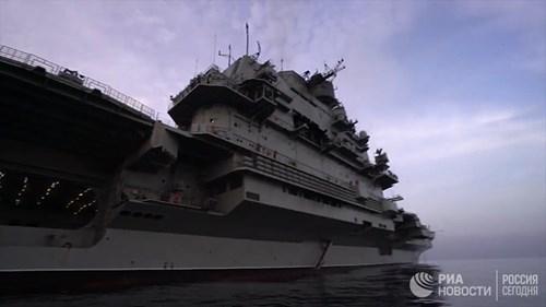[ẢNH] Khoảnh khắc đẹp của tàu sân bay Nga tham chiến ở Syria  ảnh 8