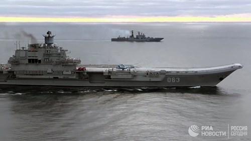 [ẢNH] Khoảnh khắc đẹp của tàu sân bay Nga tham chiến ở Syria  ảnh 15