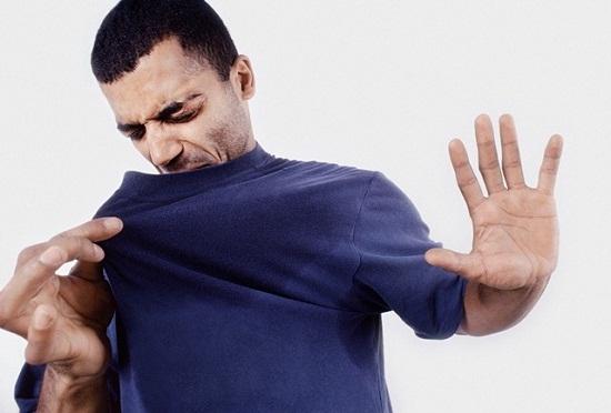 Nhiều nghiên cứu cho thấy lăn khử mùi có thể gây hại cho sức khỏe. Ảnh minh họa