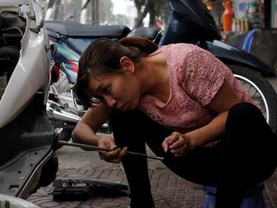 Gặp cô thợ sửa xe bị oan vì lái xe đặc chủng của CSGT