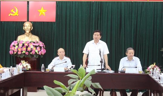Bí thư Thành ủy Đinh La Thăng làm việc với UBND huyện Bình Chánh