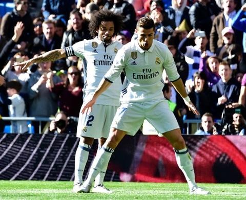 Ronaldo và đồng đội đang bay cao cùng Real