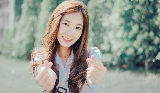 Nu sinh Thai Lan noi tieng vi giong Yoona (SNSD) hinh anh 9