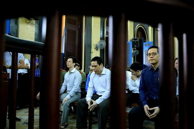 Bị cáo Phan Thành Mai và các bị cáo khác tại toà phúc thẩm.
