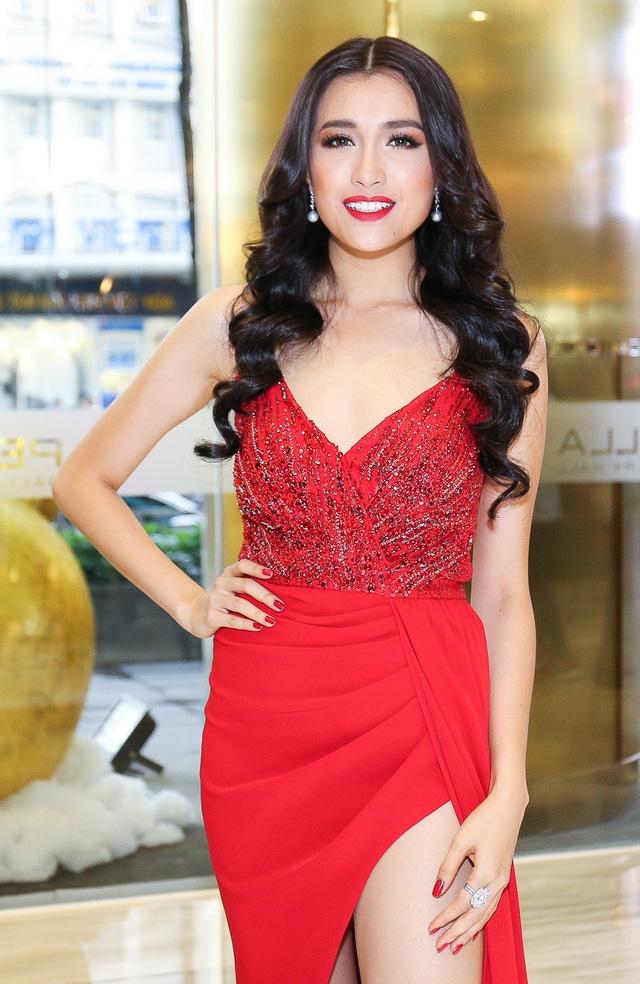 Vừa khăn gói đi thi đại diện Việt Nam đã bị đối xử bất công tại Hoa hậu Hoàn vũ? - Ảnh 2.