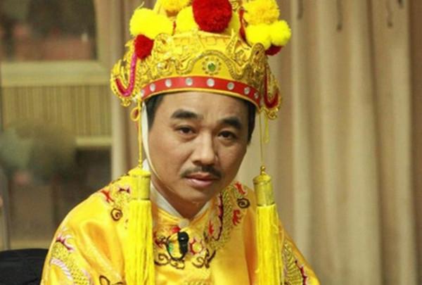 Diễn viên Quốc Khánh - Người nổi tiếng với vai diễn Ngọc Hoàng trong Táo quân. Ảnh: VFC.