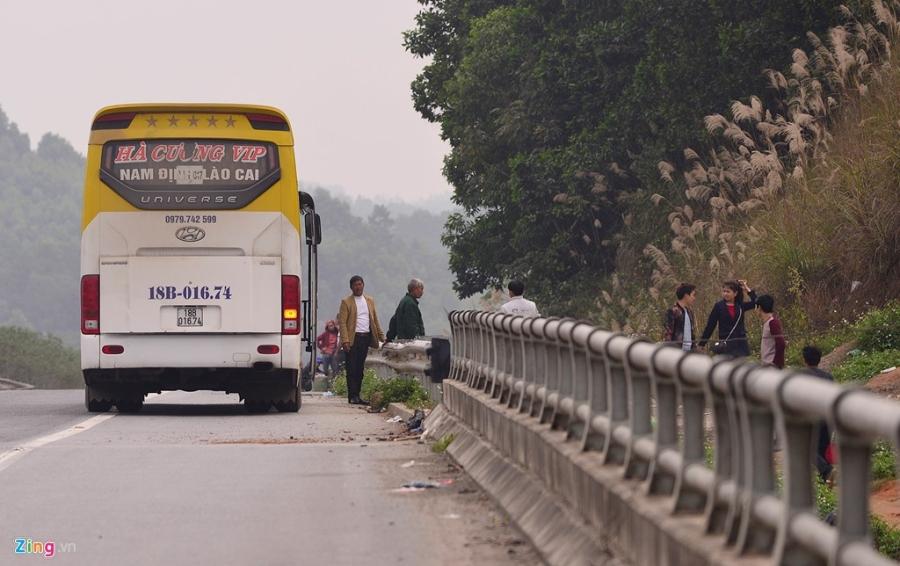 Nha xe ne camera bat khach tren cao toc Noi Bai hinh anh 2